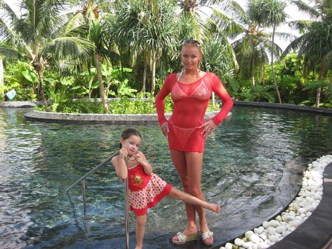 мама и дочка без трусов № 332934 бесплатно